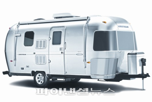 Amazing UltraLite Travel Trailers Under 3000lbs