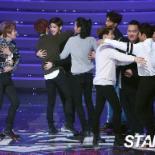 [포토] 슈퍼스타K6 '함께 축하해주는 TOP6'