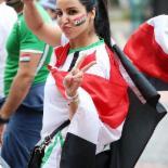 승리 염원하는 이라크 여성