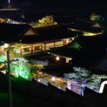 LED 불빛에 물든 한옥마을