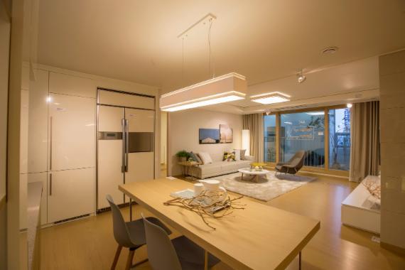 현대산업개발 '군산 미장2차 아이파크' 견본주택 3일 개관 ...