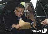 박영수 특검 포르쉐 뇌물 의혹..국정농단 칼 휘두르던 그 검사네?