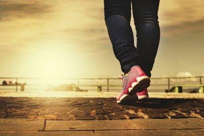 치매 예방에 가장 좋은 운동은? '매일 빨리 걷기' <연구>
