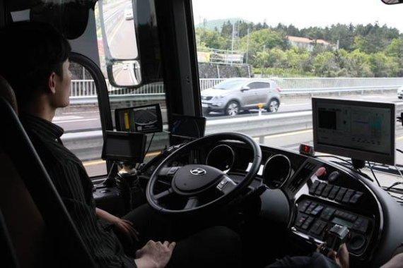 KT, 45인승 자율주행버스 일반도로 시험운행 성공