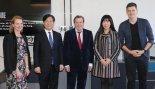 [2단 사진기사] 성윤모 장관, 펙토리베를린 방문..슈뢰더 전 총리와 면담