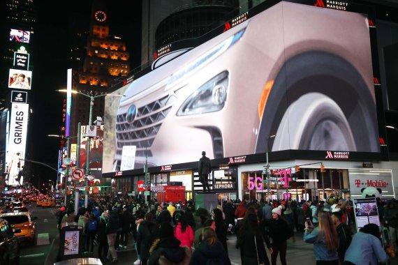 현대차, 美 뉴욕 타임스퀘어서 방탄소년단