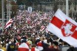 벨라루스 반정부 시위에 10만명 넘게 모여, 151명 체포