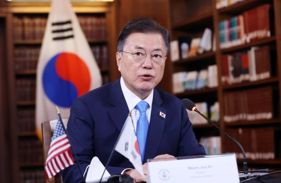 文대통령 한미, 최적의 파트너...韓기업 44조 투자 발표