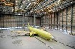 아시아나, 항공기 도색 대한항공에 맡긴다..'33년만에 첫 계약'