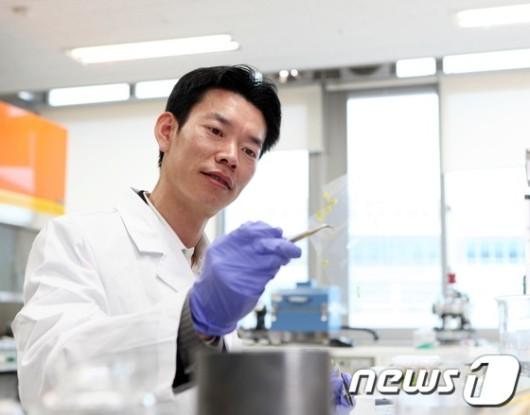 UNIST 박수진 교수 '젊은과학자상'