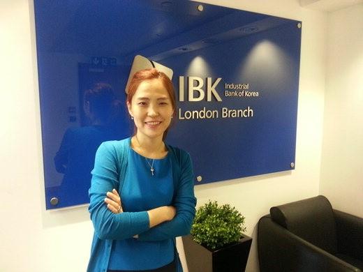[한국금융 세계를 품다] (6·끝) 기업은행 해외지점 첫 여성책임자 박선미 런던지점 과장