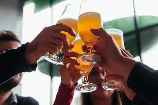 '일주일에 6잔 정도' 적당한 음주, 심장병 위험 낮춘다