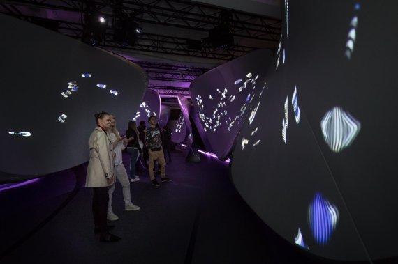 삼성전자, '밀라노 디자인 위크' 참가..갤럭시S8 디자인철학 공개