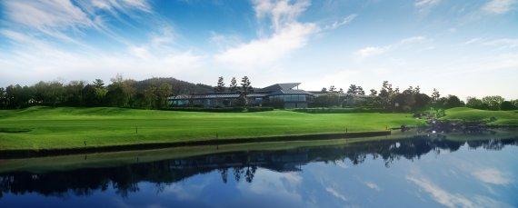 <정대균기자의 한국 골프장 산책>한국 최초의 세계 100대 코스 '제주 핀크스CC'