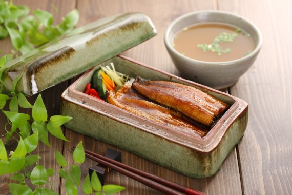 <정대균기자의 한국 골프장산책>레인보우힐스CC 대표식단 '장어덮밥'