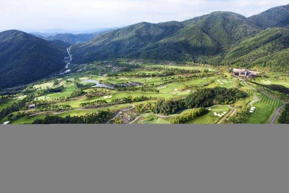 [정대균 기자의 한국 골프장 산책] 충북 음성 레인보우힐스CC '거대한 숲속 작은 정원' 모험이 시작되는 그곳…