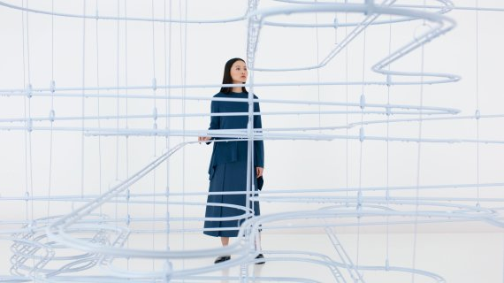 [yes+ Culture] 패션 브랜드 COS-스나키텍처, 설치미술 작품 '루프' 공개