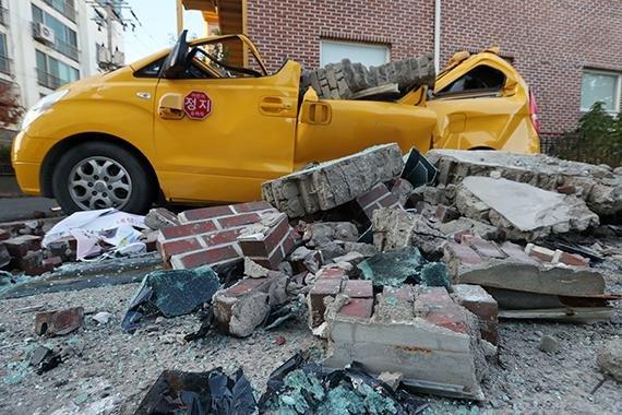 포항에서 경주까지...지진재난문자 빨라졌지만 대피소는 아직 없다