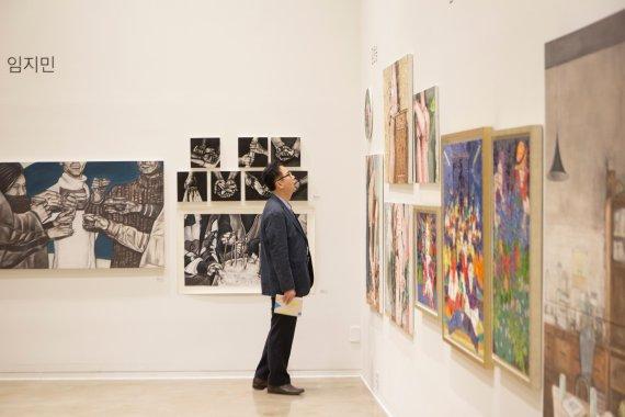 젊은 예술가를 응원하는 사회적기업, 에이컴퍼니