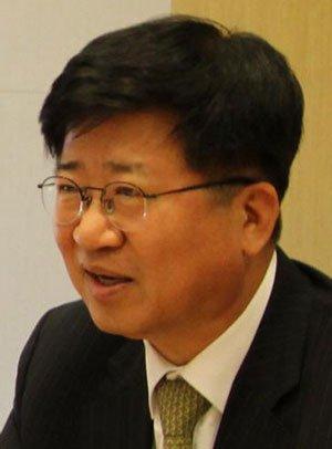 """[화제의 법조인] 김치중 법무법인 바른 변호사 """"주 52시간제 기업별 진단 필요"""""""