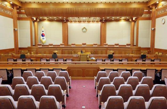 헌재, 국정원 인터넷회선 '패킷 감청' 헌법불합치 결정