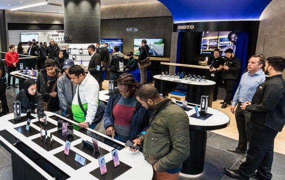 삼성전자, 영국 런던 중심에 '삼성 익스피리언스 스토어' 확장 오픈