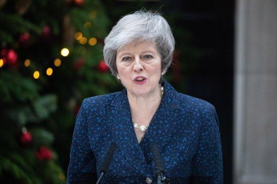 英 메이 총리, 취임 2년여 만에 낙마 위기
