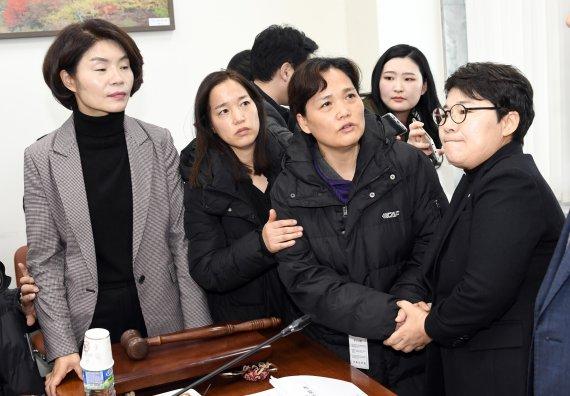 '본회의 D-1' 엇갈린 운명 김용균법·유치원법