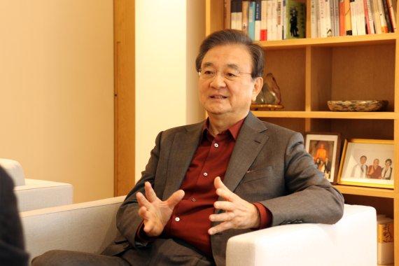 """홍석현 이사장 """"올해 비핵화 고비 못넘으면 큰 위기 직면"""""""