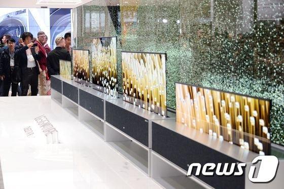 [CES]LG전자 롤러블 TV, CES '최고의 TV'로 선정
