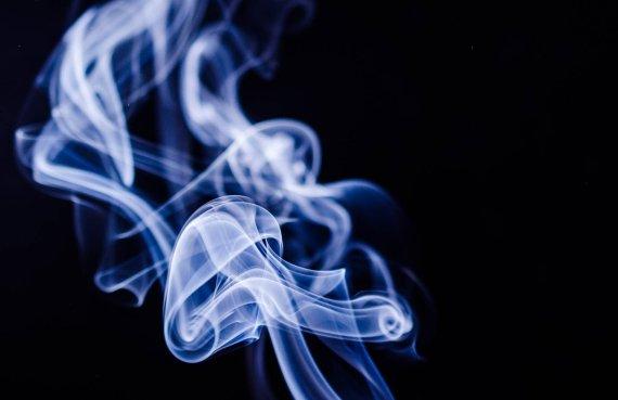 전자담배 폭발.. 경동맥 파열로 사망한 남성