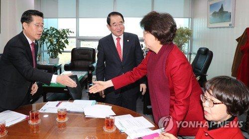 국회 윤리위 '5.18 망언' 의원 징계안 상정 불발.. '무용론' 재등장