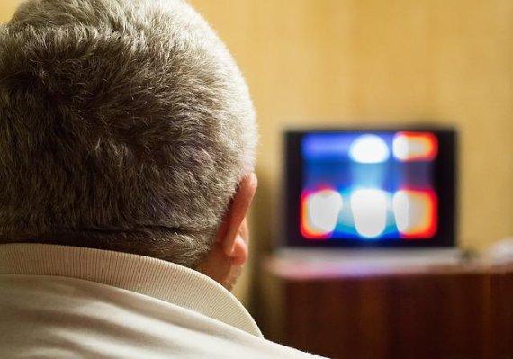 TV 오래 보면 '대장암' 발병 위험 높다