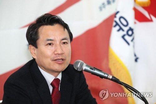 """""""금도 넘었다"""" 한국당 '5·18 망언' 조사 착수...여야 제명 촉구"""