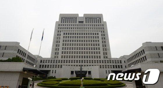 나영석과 정유미 '불륜관계' 루머 퍼뜨린 작가의 결말