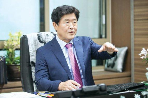 """김광철 연천군수 """"100년 먹거리 관광육성에 총력"""""""