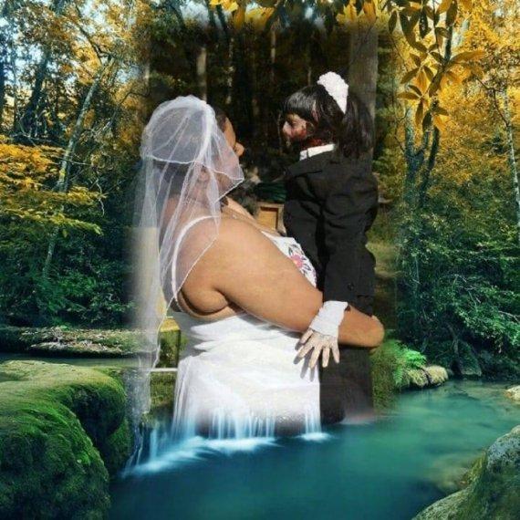좀비 인형과 결혼식 올린 여성.. 무슨 일?