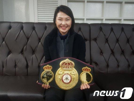 탈북 복싱 챔프 최현미, 1억 못구해 결국에는..