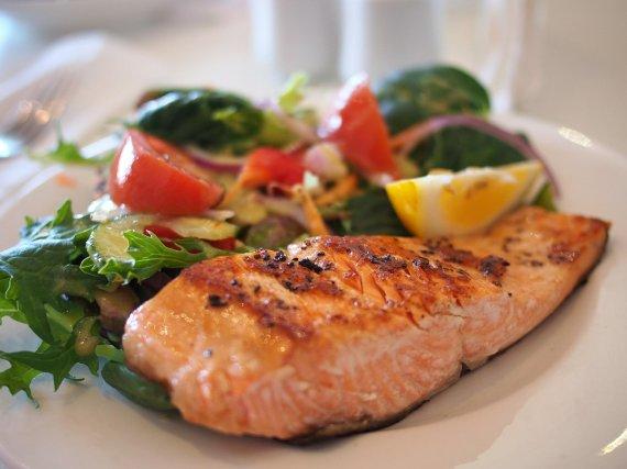 2주동안 매 끼니마다 생선 먹은 남성에 나타난 질병