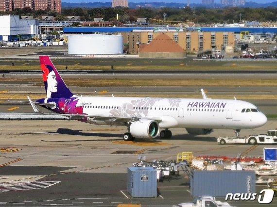 양주 한병 마시고 비행기서 만취 난동부린 한국인