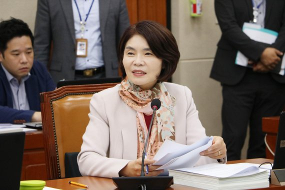 """""""탄력근로제 확대 따른 임금저하 방지""""...개정안 '발의'"""