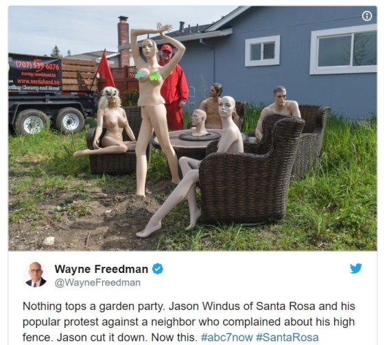 정원에 '누드 마네킹' 설치한 남성, 왜?
