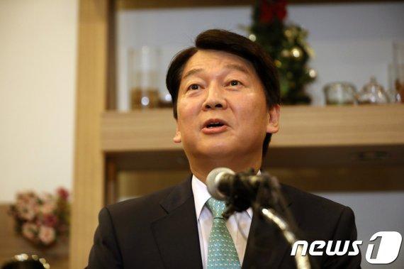 """바른미래 '또' 안철수 6월복귀론.. 安 """"현재 복귀를 계획하거나.."""""""