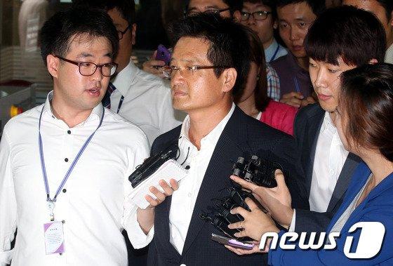 '김학의 성접대 의혹' 피해女, 1년 6개월간 오피스텔에서 있었던 일 폭로