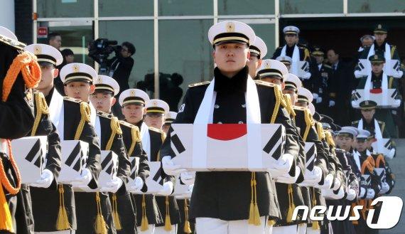 66년 만에 조국의 품에서 영면.. 6·25전투영웅, 대전현충원 안장