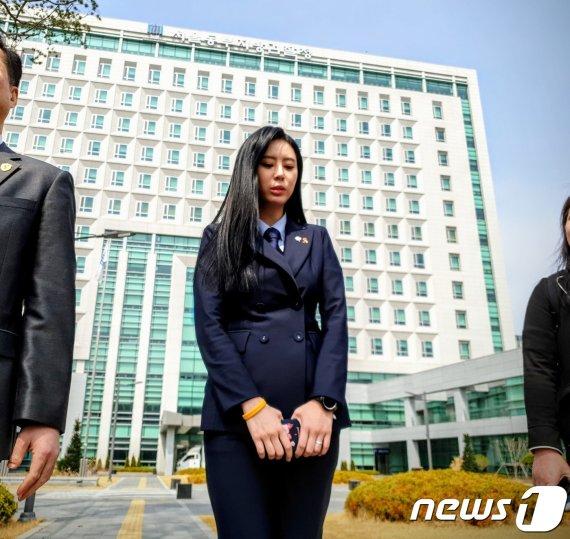 """윤지오 """"장자연 사건 증언가능 여배우 5명은.."""""""