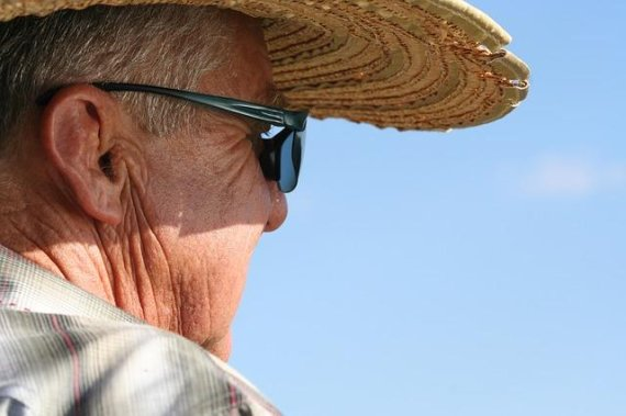 50세 이상 중년들은 '비타민D' 섭취할 때 조심해야 하는 이유