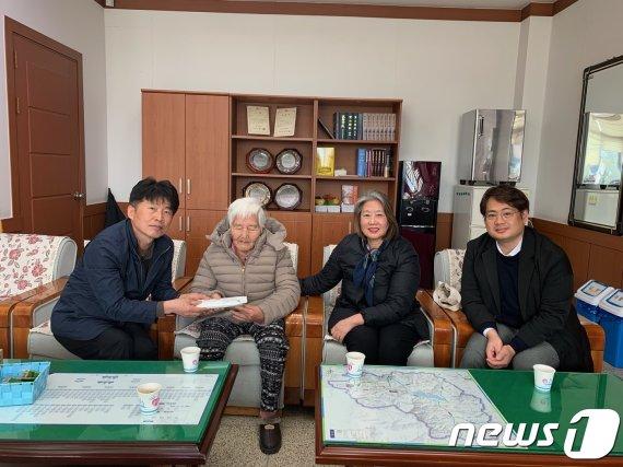 평생 모은 천만원 기부한 80대 할머니의 따뜻한 마음