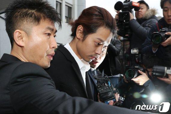 '정준영 불법촬영' 대화방에 참여한 또 다른 가수는 누구?