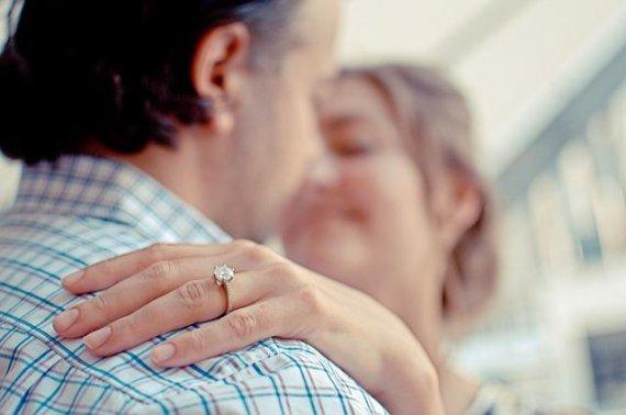 돌싱들이 새로운 상대를 만날때 궁금한것 1위.. 男 '이혼 사유' 女는?